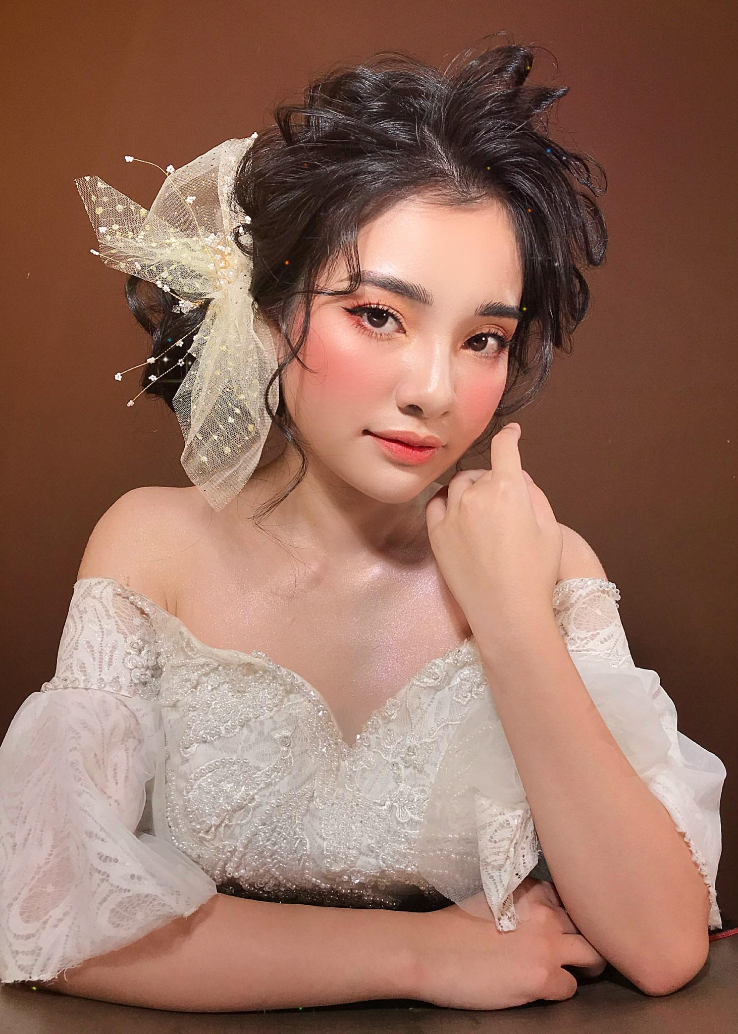 Top 7 tiệm trang điểm cô dâu đẹp nhất tại Nha Trang -  Thư Rosie Make Up Store