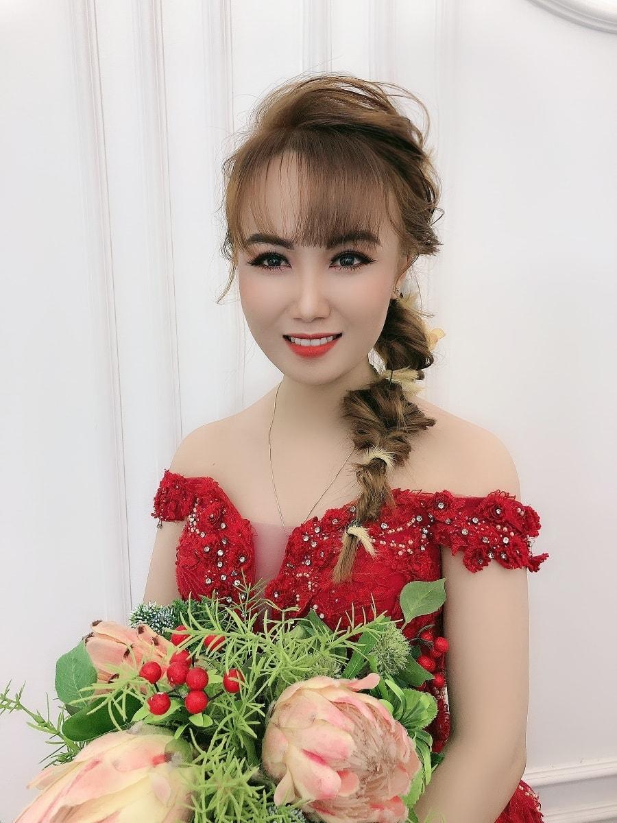 Top 7 tiệm trang điểm cô dâu đẹp nhất tại Long An -  Smile Studio 2